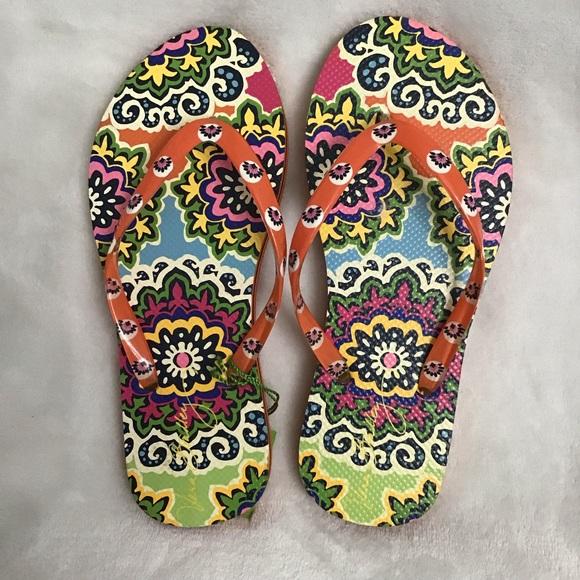Vera Bradley Shoes - 🥰 Cute Vera Bradley Floral Flip flops